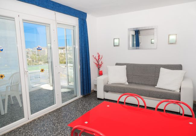 Apartment in Salou - S104-007 UHC ALEXIS FAMILY APARTMENTS